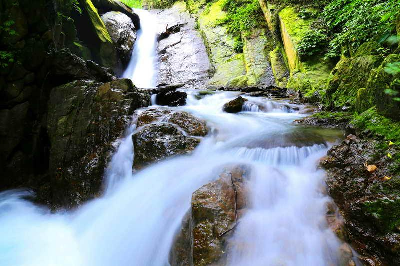 Fotomural cascada de agua 3 for Motor para cascada de agua